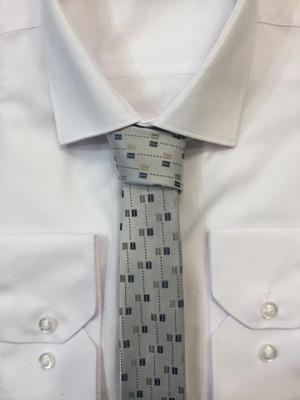 Sivá vzorovaná kravata 54