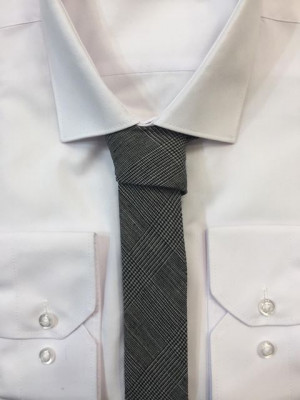 Sivá vzorovaná kravata 57
