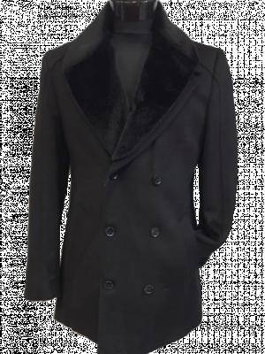 Čierny kabát Menti