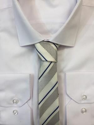 Sivá vzorovaná kravata 50