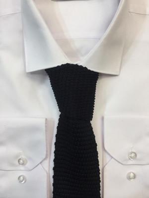 Čierna pletená kravata 61